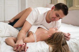 Cara Tahan Lama - Couple On Bed