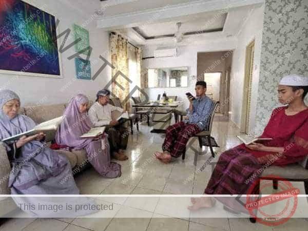 ibadah bersama keluarga selepas mandi wajib