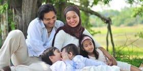keluarga bahagia selepas jumpa doktor